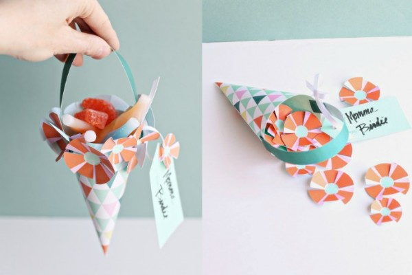 Printable paper treat baskets for May Day or moms at Smallful