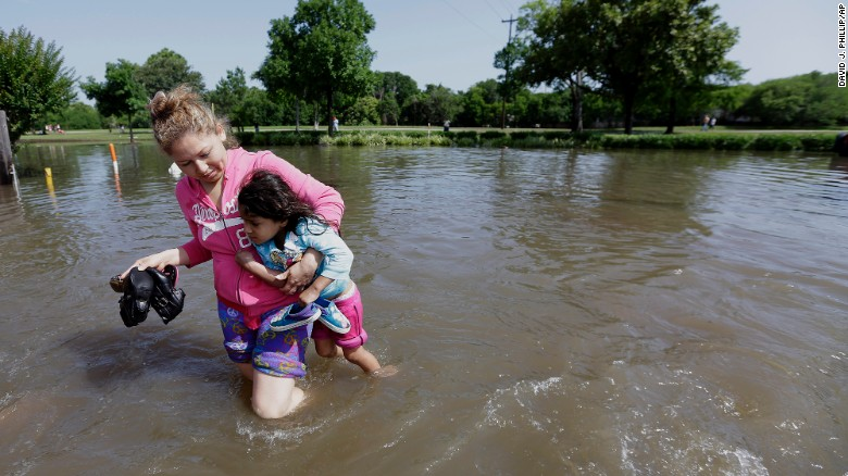 Web Coolness: How to help the Texas flood victims, free Lyft rides for women who need it, and guess who's making a plus-size line.