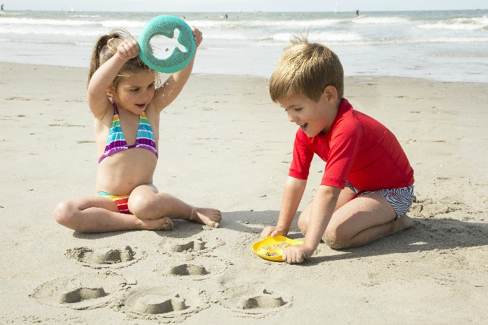 7 great new beach toys for kids to make sand play even more fun