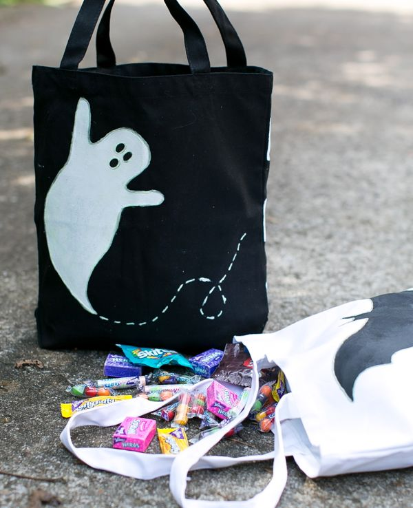 Last-minute Halloween help guide: DIY Glow-in-the-Dark Trick-or-Treat Bags by The Sweetest Occasion