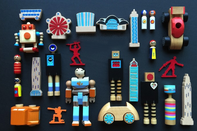 Beating boredom with cool wooden toys inspiring art, design, engineering and imagination.
