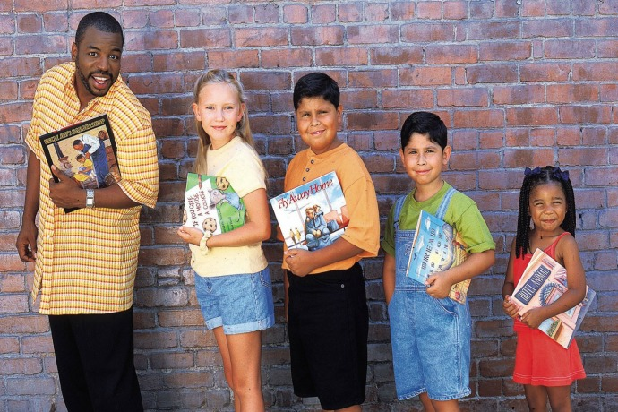 Turning kids into readers: 3 simple tips from LeVar Burton to help your kids get excited about books