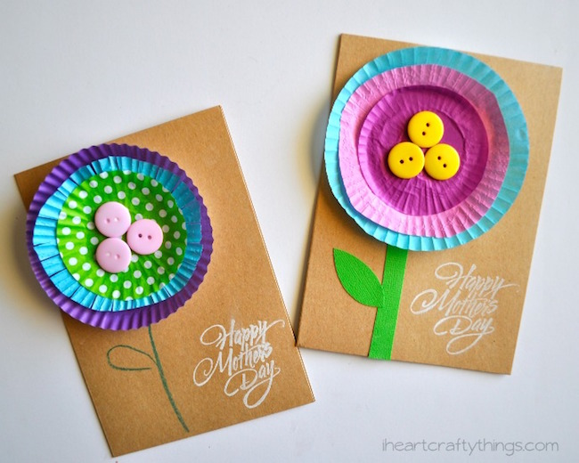 Easy handmade cupcake liner flower Mother's Day cards via I Heart Crafty Things