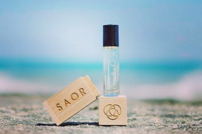 An airy, all-natural perfume that smells nothing like the perfume counter. Thank goodness.