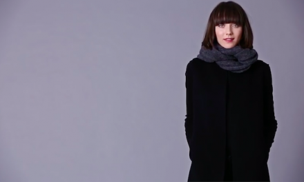 Cool ways to tie scarves: 7 videos that make it easy. Winter style, check!