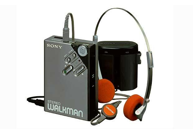 Sony Walkman Wm2: Reflections of our favorite Christmas gifts ever.