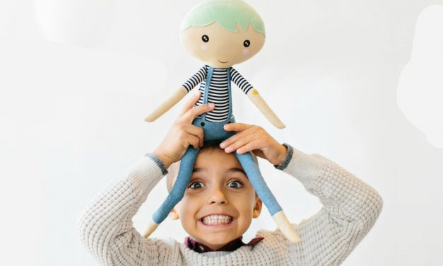 How a rag doll is helping to spread random acts of kindness around the world.