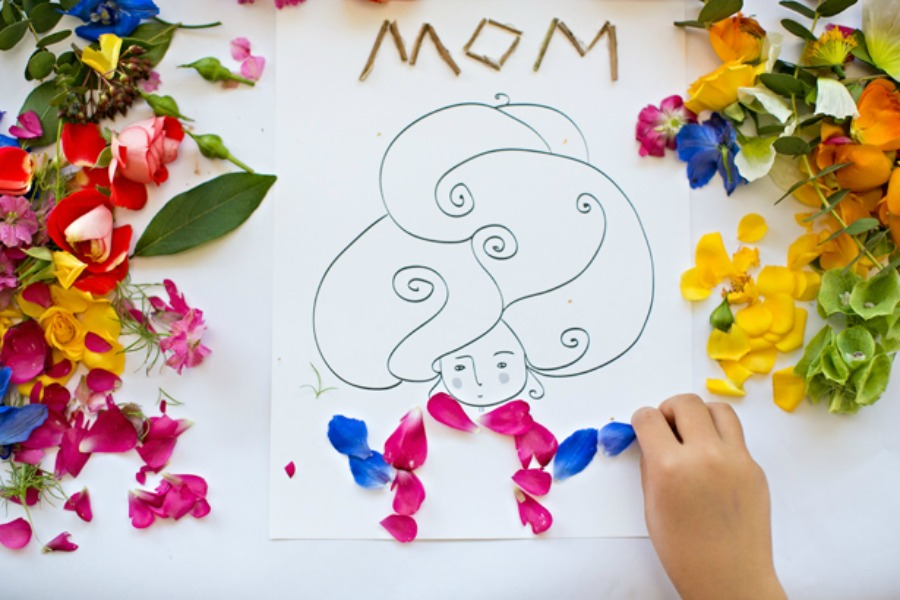 18 free Mother's Day printables that are thoughtful, lovely, and creative. Just like Mom.