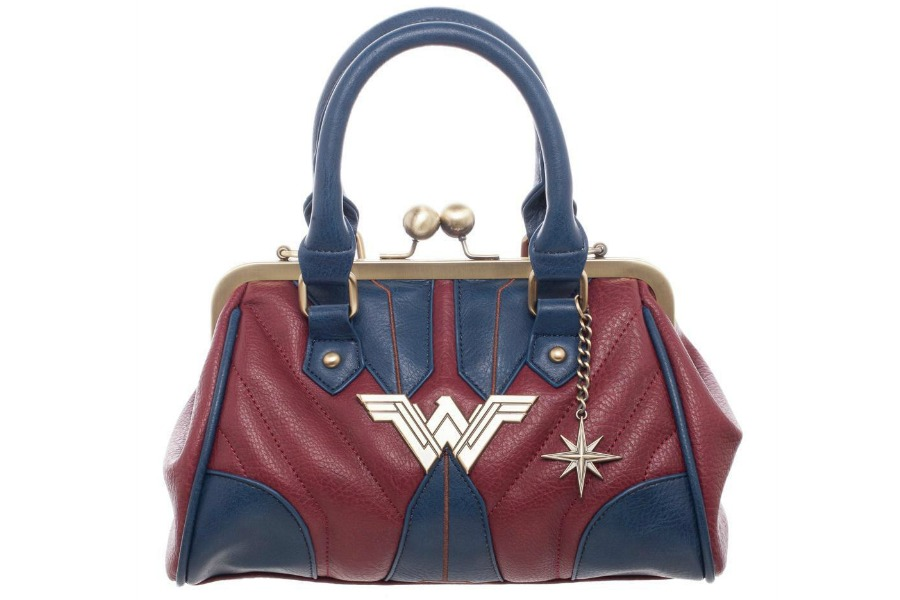 Web coolness: Everything Mother's Day, right down to the perfect handbag