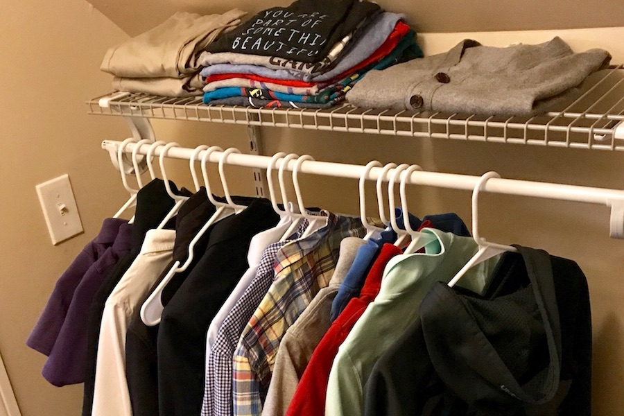 How to create a capsule wardrobe for kids. Even kids obsessed with their clothes.