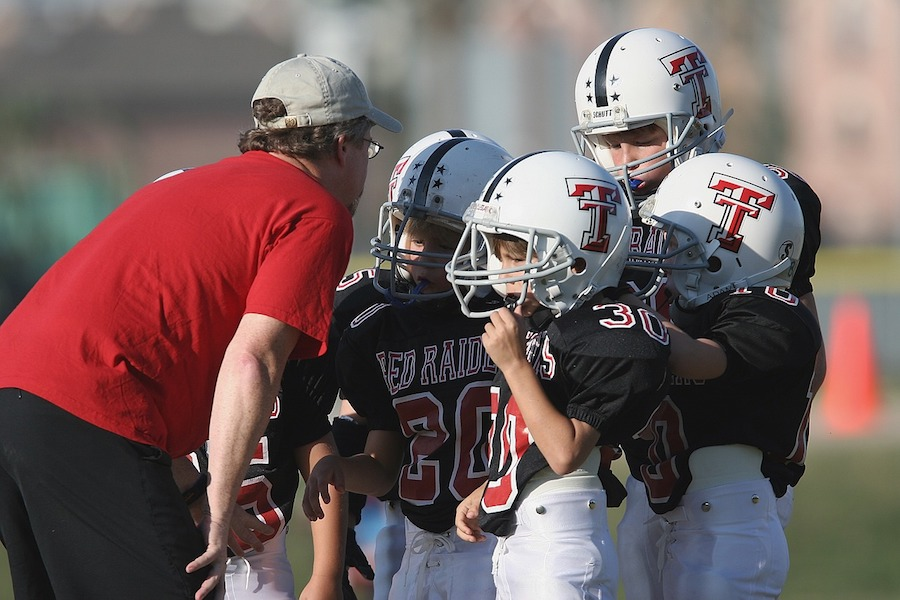 Should your kids be playing tackle football? 6 things that happened when this mom said no. | Thinking Parent