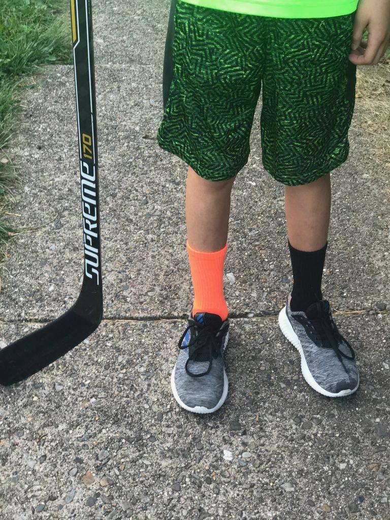 8 subtle ways your kids can show their team spirit: Mismatch socks