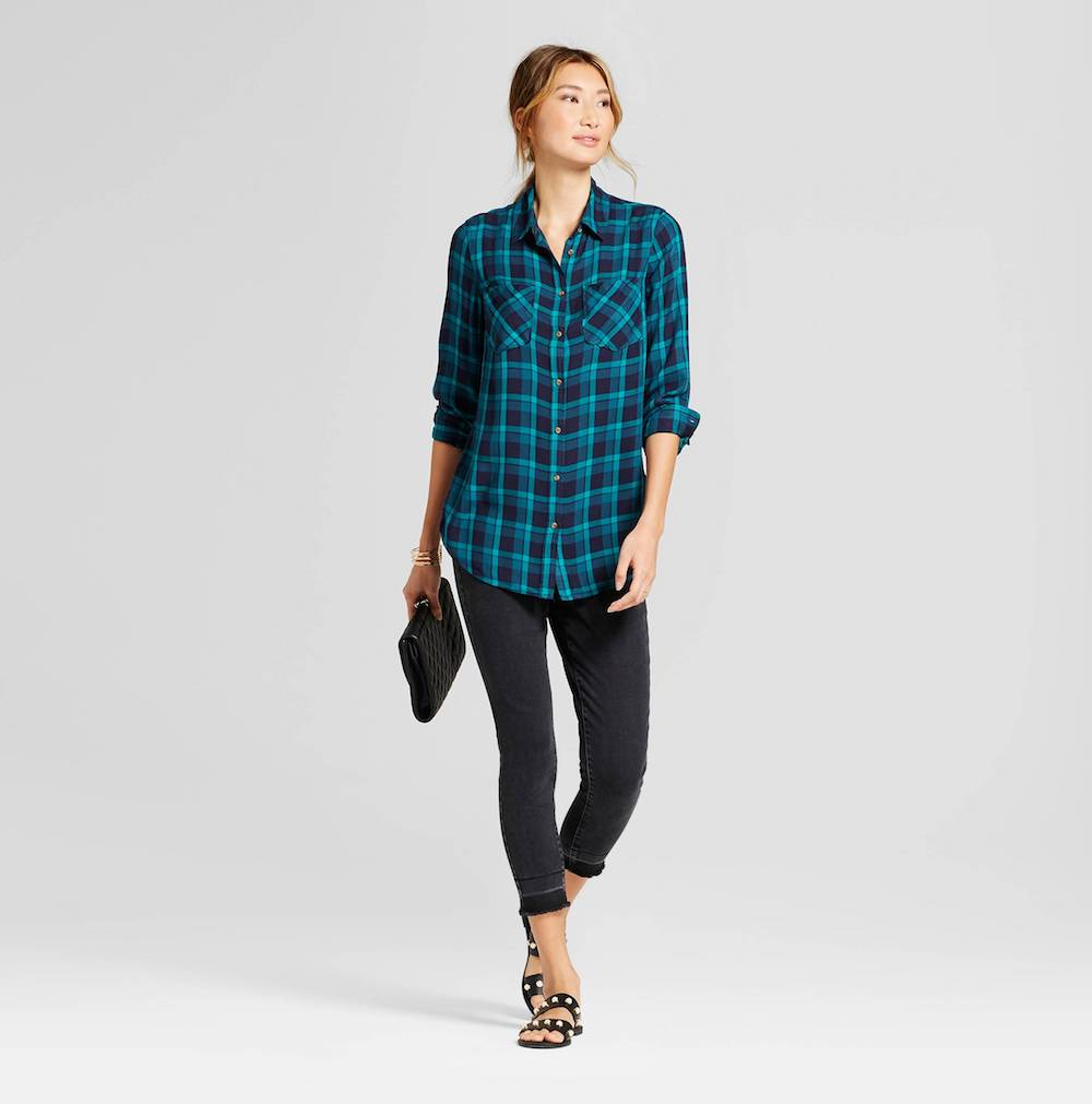 Must-have 90s-style wardrobe items: Flannel plaid shirts, whoo!