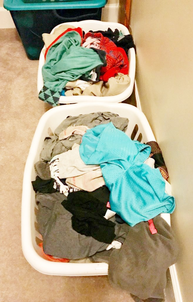 Amazing, time-saving laundry tips for big families | coolmompicks.com