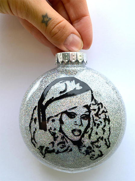 RuPaul Christmas Ornament : Glam gifts for a female BFF