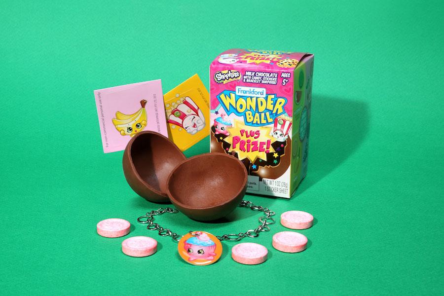 Wonder Ball with Shopkins prize! Creative stocking stuffer ideas for kids under $5 | sponsor