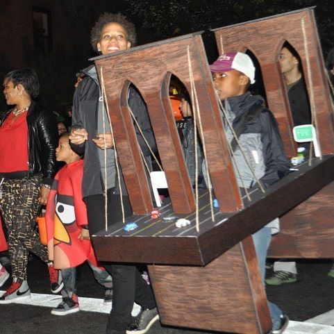 Brooklyn Bridge Halloween costume via Our BK Social on IG