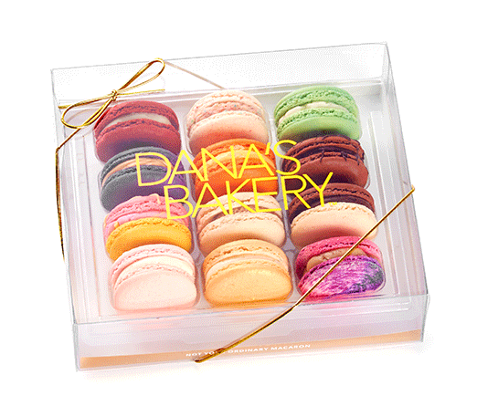 Chic Mother-in-Law-Gifts: Dana's Bakery gourmet macaron subscription