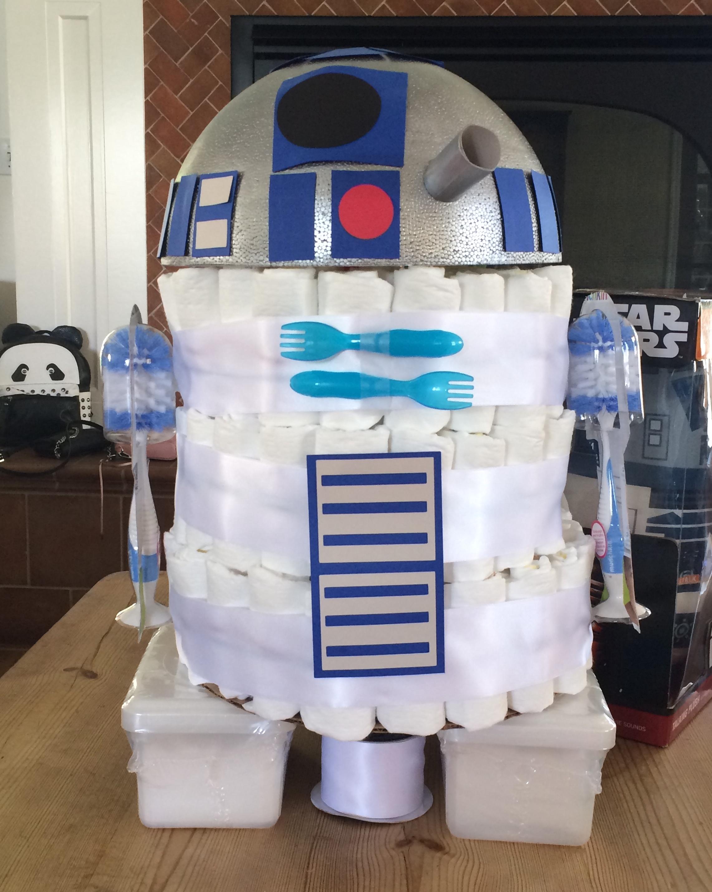 Cool diaper cakes: R2D2 diaper cake | Pinterest