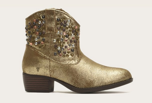 Studded Frye Boots | The coolest tween and teen gifts