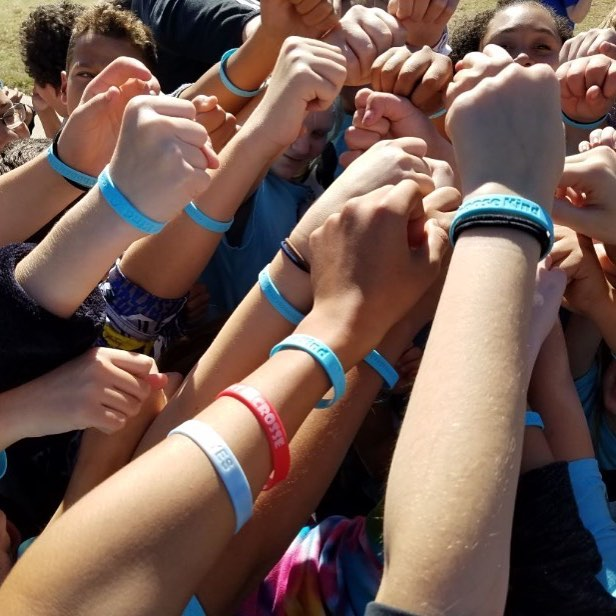 Choose Kind wristbands to support the Childrens Craniofacial Assn. Photo: Durant Intermediate School