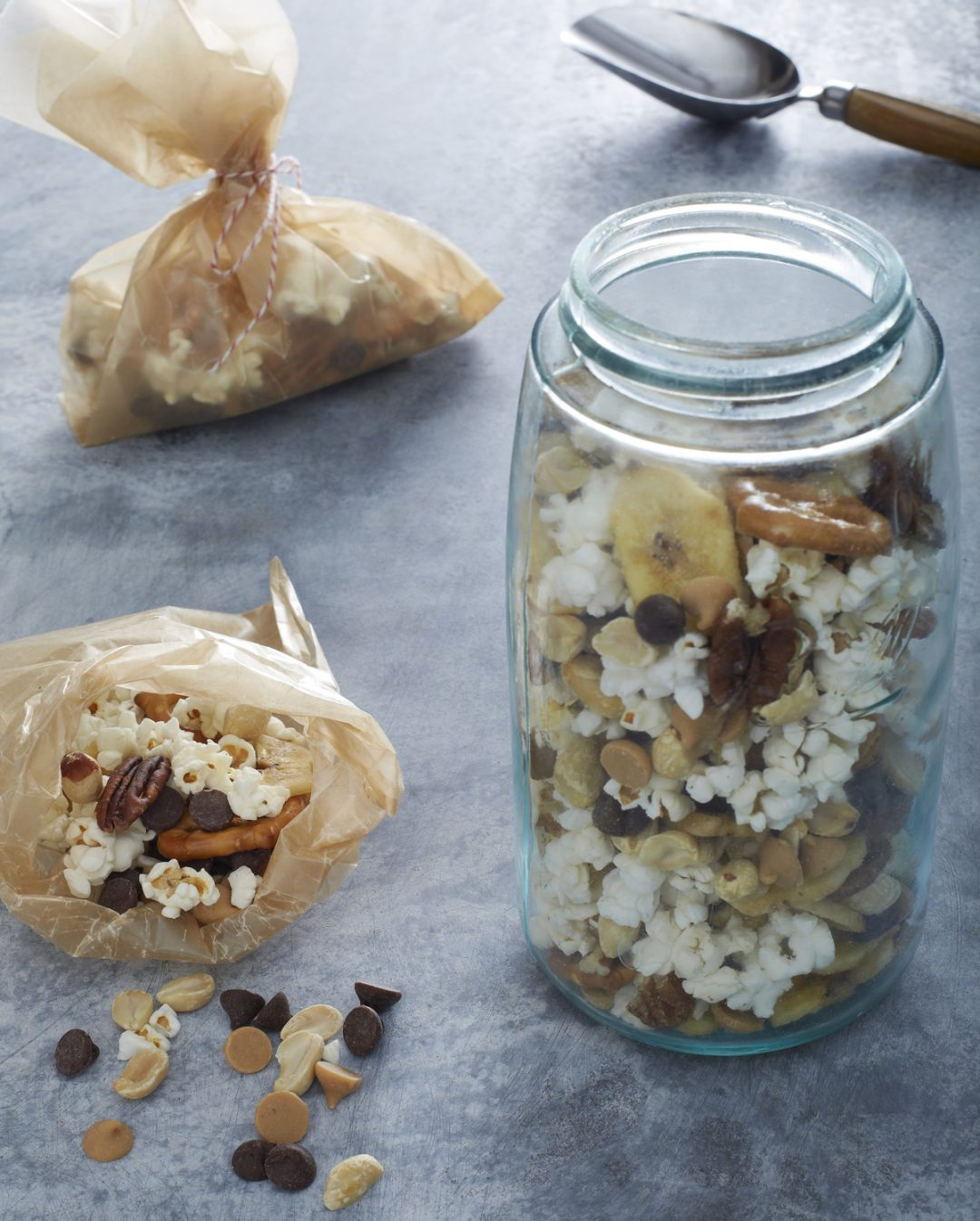 Make your own trail mix recipe from Cool Mom Eats: Great recipe for postal carrier gifts!