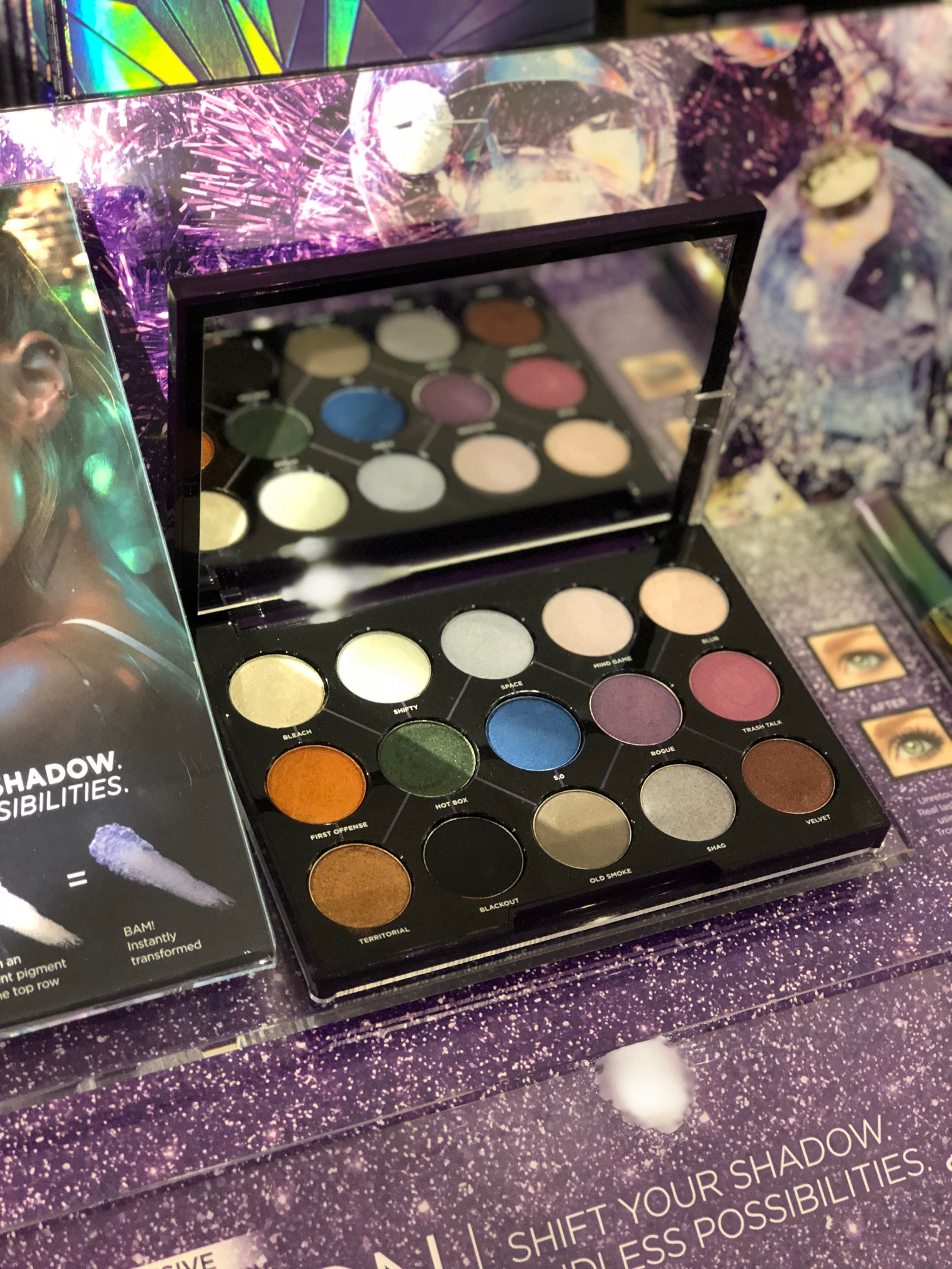 12 fabulous last-minute beauty gifts at Sephora inside JCPenney | Urban Decay Distortion Palette | Sponsor