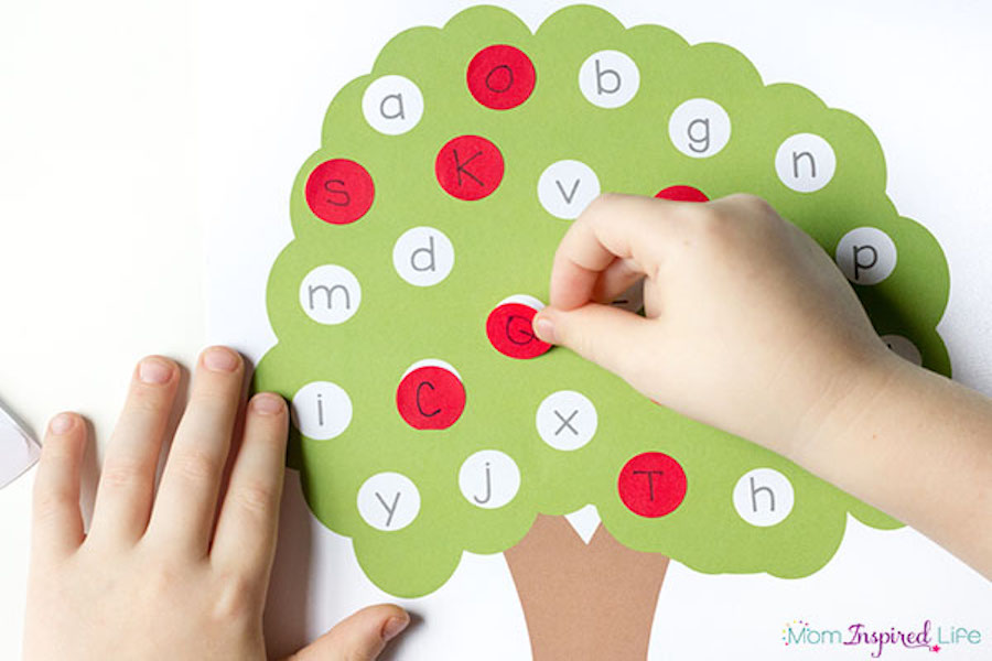 Educational activities for preschoolers: Alphabet Tree at Fun Learning for Kids