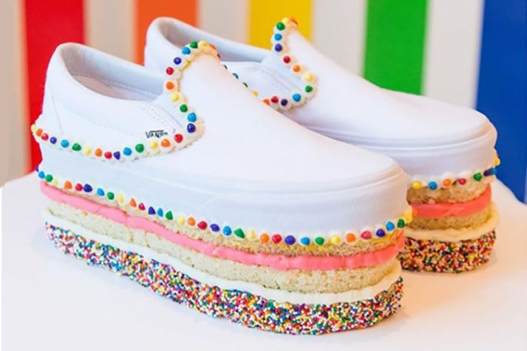 Web coolness: edible Vans, Taco Bell maternity photos, cake purses, and more!