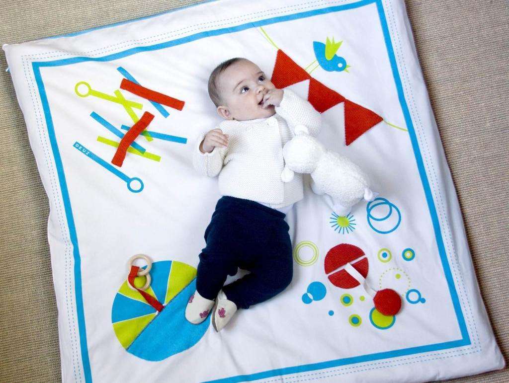 Bonjour, organic baby playmat. Au revoir, fussy baby.