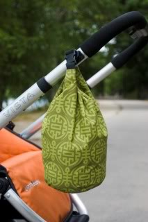 A pretty reusable bag for all your gross, smelly, leaky stuff