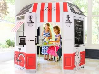 Ooh la la! Quelle playhouse!