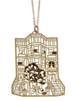 Brooklyn in da house. And da jewelry box.