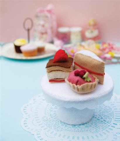 3 adorable craft kits for tween girls