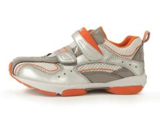 Umi kids shoes go sporty. And we likey.