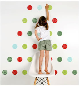 Web coolness – Eco-friendly Christmas trees, travel tips with the kids + more