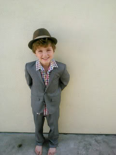Cool suits for little boys? They exist!