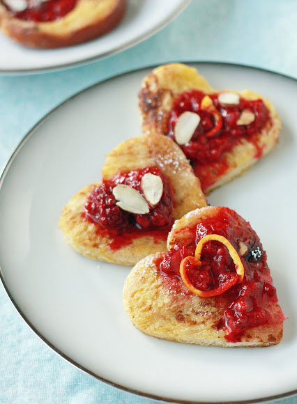 Heart shaped french toast recipe | Yummy Mummy Kitchen