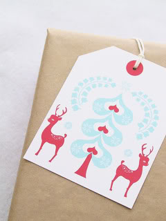 Still feeling the DIY spirit? Some of our favorite last minute holiday crafts and printables.