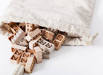 What if LEGO pieces were made of wood?