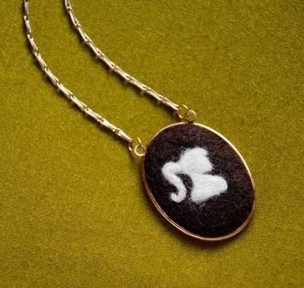 The anti-cameo cameo necklace