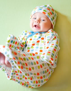 Baby clothes with magnets = Magnificent!