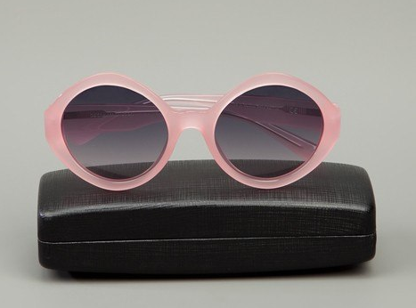 Pink sunglasses: la vie en rose