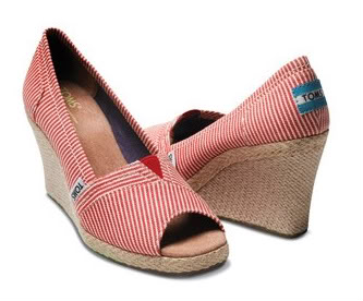 TOMS Wedges – The perfect summer flip flop alternative