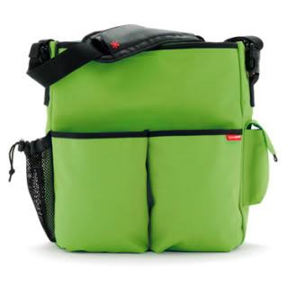 The best travel friendly diaper bag? – Reader Q&A