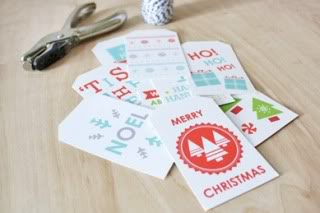 The most beautiful free printable gift tags to top off your holiday wrapping