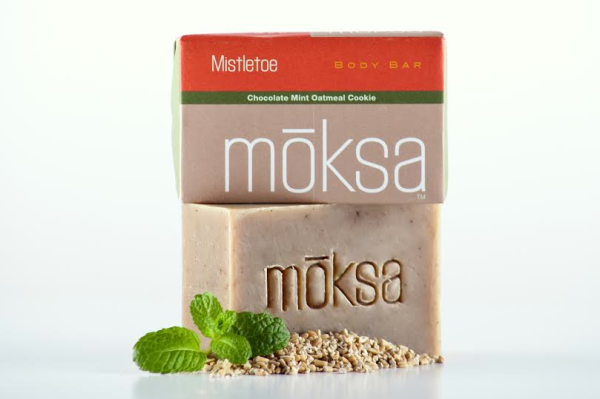 Moksa Organics Mistletoe holiday bath set | Cool Mom Picks