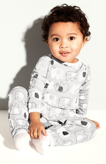 Baby trend alert: Gray and white as a chic, gender neutral baby palette