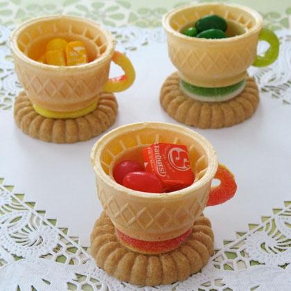 Alice in Wonderland party edible teacups - spoonful | Cool Mom PIcks