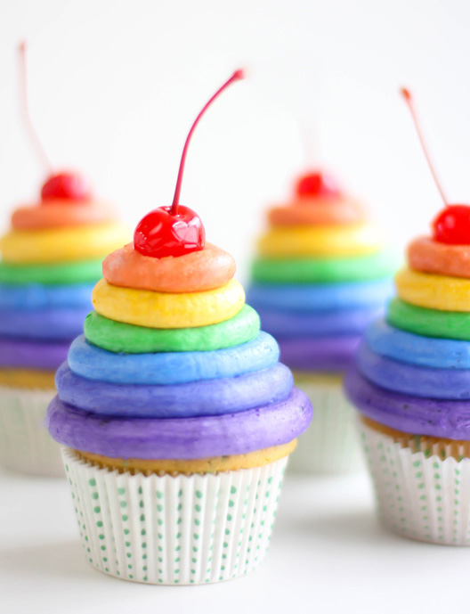 6 of the most impressive rainbow recipes for a lucky St. Patrick's Day